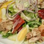 Mix-Salat mit Thunfisch und Ei
